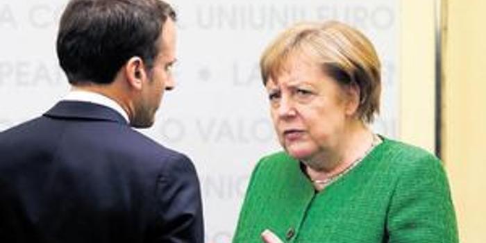 """波兰总理批马克龙关于北约""""脑死亡""""言论:不负责任"""
