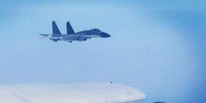 东部战区在台岛东南海域联演:进行空地突击等训练
