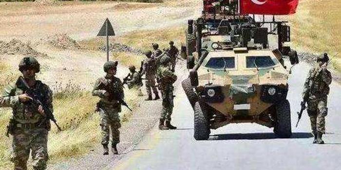 土耳其国防部:土军在叙利亚遭到空袭 致2死5伤