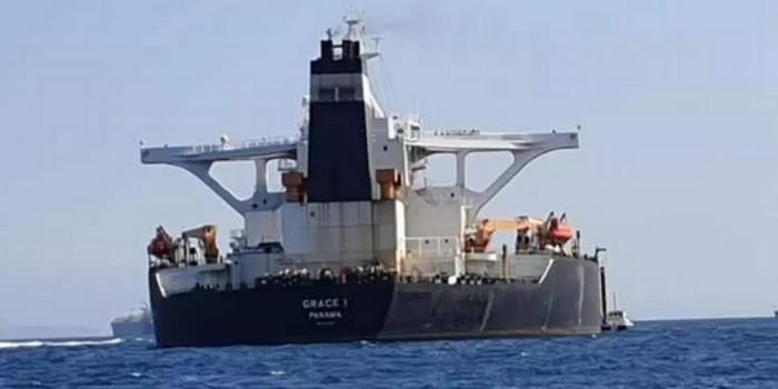 伊朗油轮在沙特港口吉达附近发生爆炸 船只受损严重
