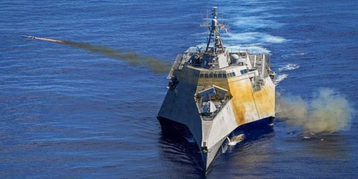 美军濒海战斗舰在西太平洋军演 成功发射新型导弹