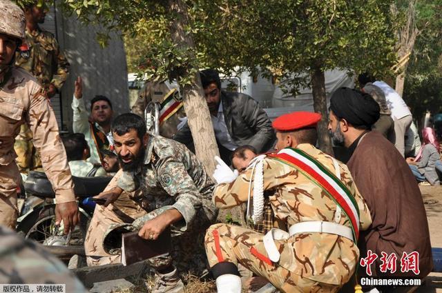 伊朗一阅兵式遭袭击 已致24人死亡