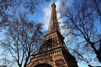 巴黎埃菲尔铁塔迎来130岁生日