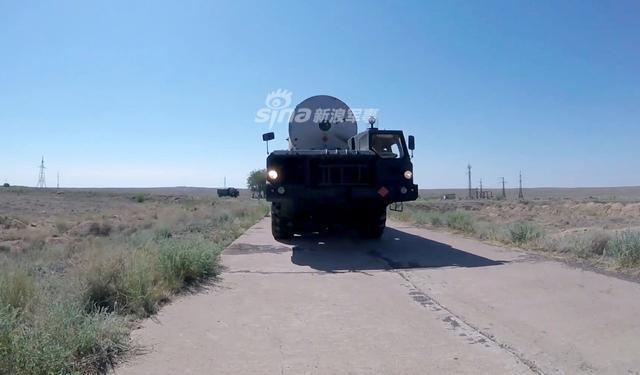 俄军对美高调试射新型反导导弹