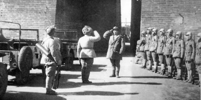 70年前的1月31日 解放軍開進北平(圖)
