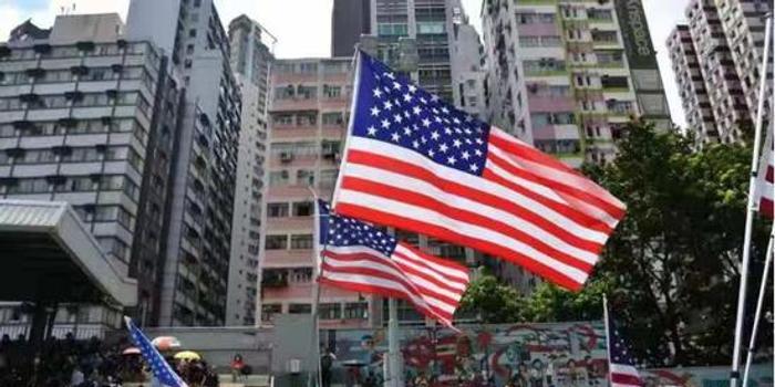 香港街头又现纵火袭警 长安剑:暴徒还能蹦跶多久