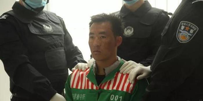 男子2次投掷手榴弹举枪射击警察致1死 被执行死刑
