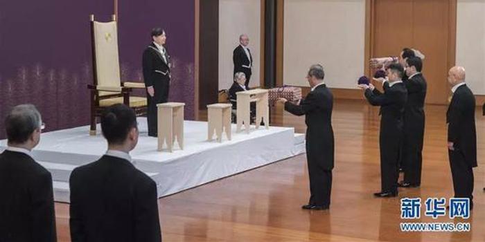 pc蛋蛋官网_连皇后也无法参加这仪式 日本选票政治就这么真实