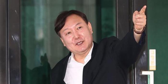 一定牛彩票网_亲手把朴槿惠李明博送监狱 他被提名韩国检察总长
