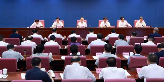 黄明:为庆祝新中国成立70周年创造安全稳定环境