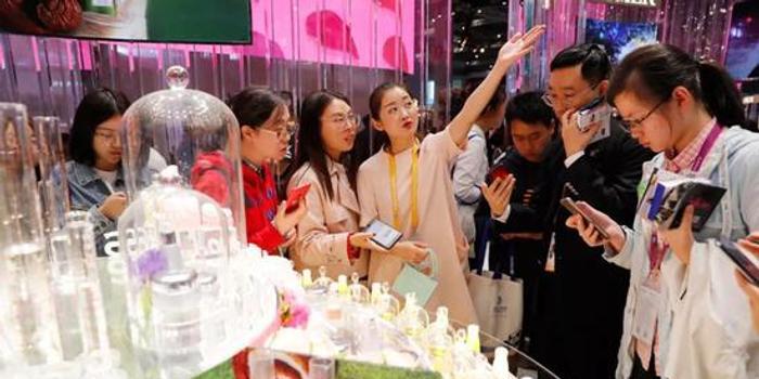 第二届进博会闭幕 媒体:助推中国经济转型升级