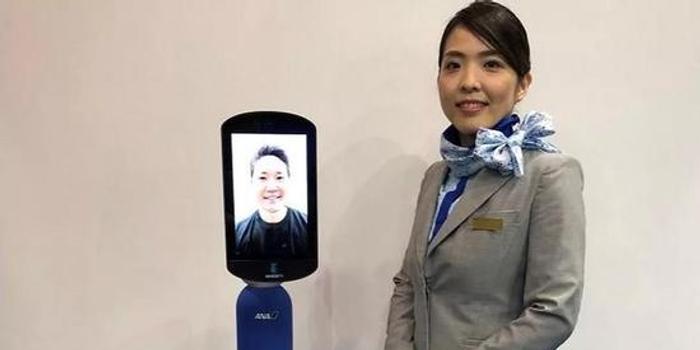 日本航空公司展示Newme機器人 可以替你遠程旅游
