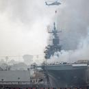 舰岛烧穿、雷达倒塌 美失火