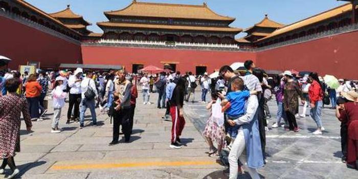 故宫博物院达8万人次上限 开始限流