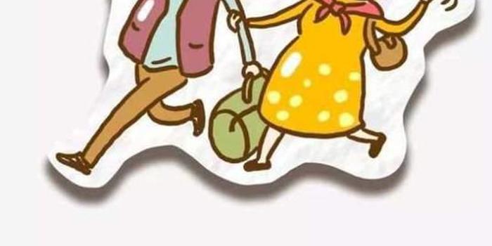 79岁爷爷为84老奶奶梳麻花辫 网友:想唱当你老了