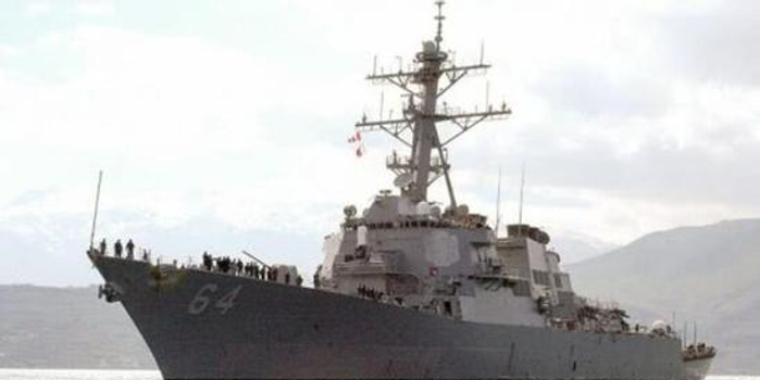 """全方位""""围攻""""美舰 美海军抵近演习遭俄舰机围堵"""