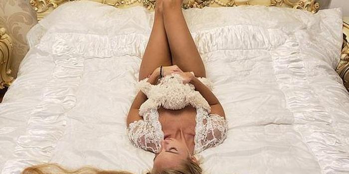 """乌克兰女子28年不剪发:喜欢被叫""""长发公主""""(图)"""