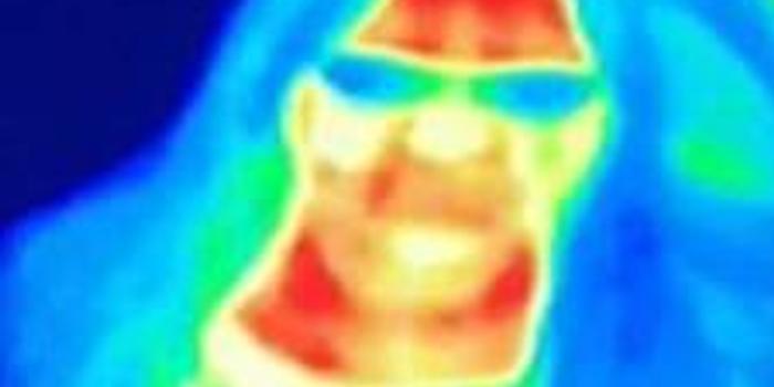 捡回条命 英国女子景区拍热感照片发现患癌症(图)