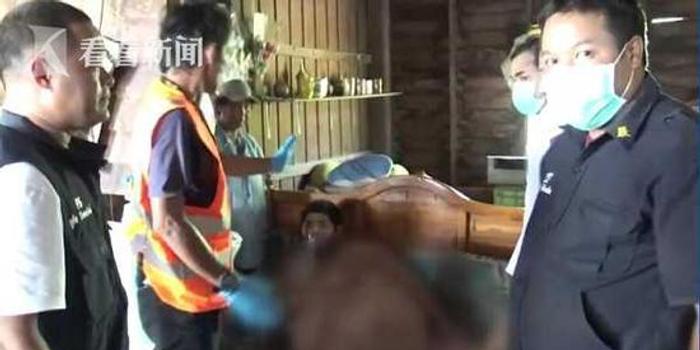 泰国635斤男子呼吸困难 经30人抬出送医4天后身亡