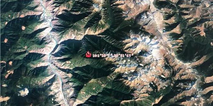 河北11选5_木里复燃火场鸟瞰图曝光 火情主要分布于山脊两侧