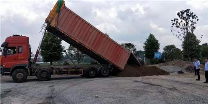 湖南一县委书记充当举报群众 提供线索查处大货车
