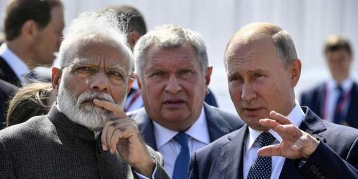 """谈到与普京的关系时 印总理莫迪称他俩很""""来电"""""""