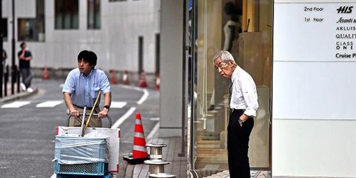 """老龄化困境之下 日本""""银发上班族""""成常态"""