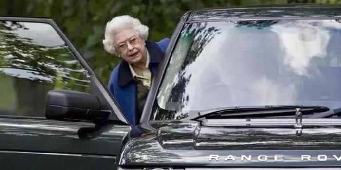 全球最牛女司机退隐江湖 77年驾龄不知驾照长啥样