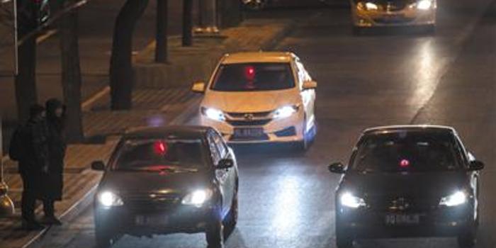 """北京黑車調查:""""打表軟件""""計價6里地收92元"""