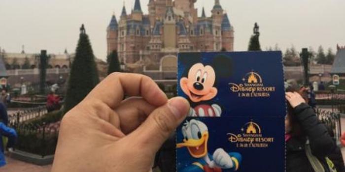 上海迪士尼翻包检查 长隆主题公园也被网友