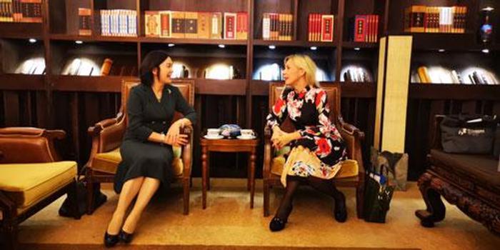 华春莹会见俄外交部女发言人 后者还爱飚中文