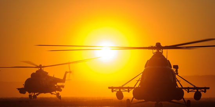 俄罗斯米-8直升机起落架断裂 致3人受伤