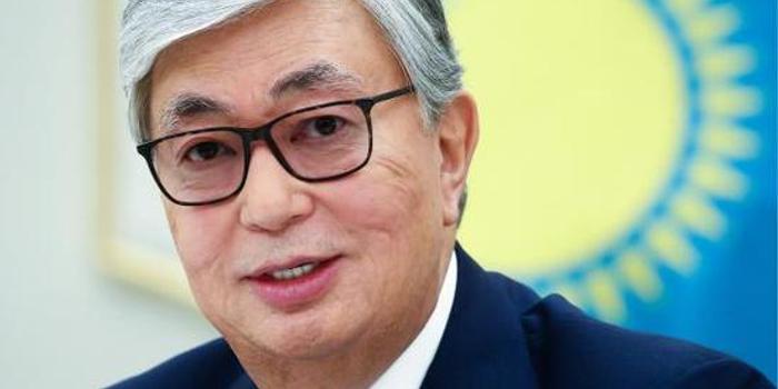 哈萨克斯坦新总统访华 将赴社科院演讲还参观阿里