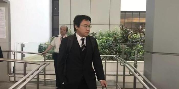 """说""""黑警死全家""""的香港见习律师""""转正""""(图)"""