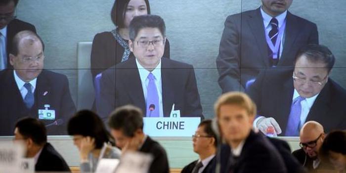 反华势力在联合国会场外上演闹剧 中方:玷污人权