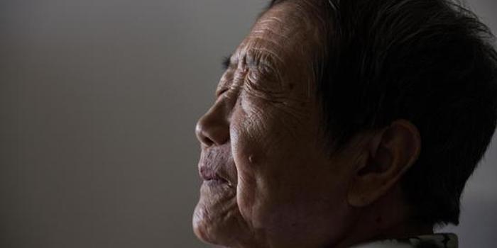 80岁的袁崇焕守墓人佘幼芝:17代人守护三百多年