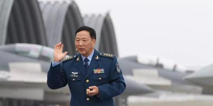 """能""""用脸测风速""""的空军大校:汶川救援伞降第一人"""