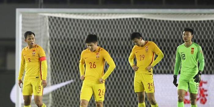 澎湃:国奥男足连负 比输球更难受的是基本功缺失