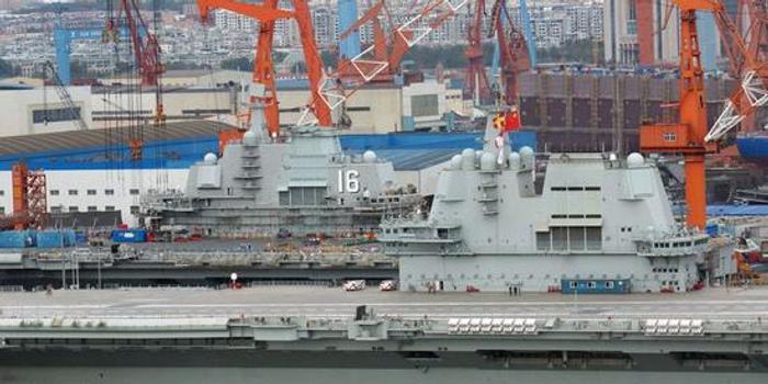 """中国双航母编队呼之欲出 美海军靠""""夸""""中俄搞钱"""