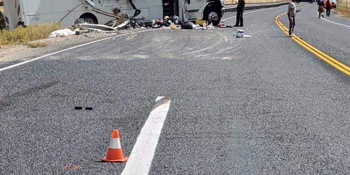 美国旅游巴士翻车至少4死 搭乘者可能为中国游客