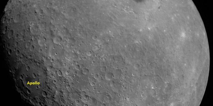 """印度""""月船2号""""回传首张其拍摄"""