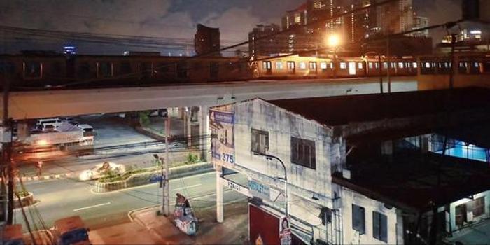 菲律賓首都馬尼拉兩輛輕軌列車相撞 至少29人受傷