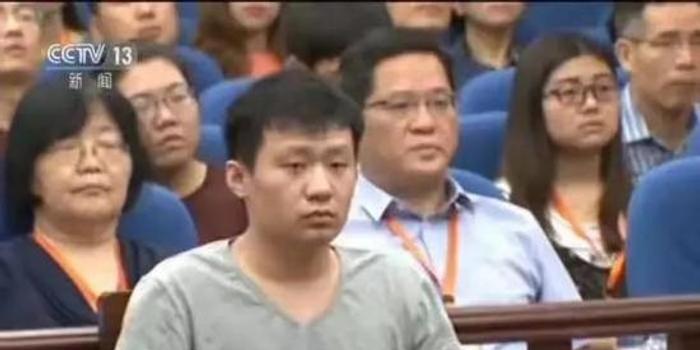 新京报:自称连累儿子的于欢母亲该被舆论指责吗