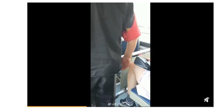 疑似北京公交车安全员对女乘客实施猥亵