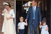 英国路易小王子受洗 一家五口齐亮相