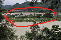 挖沙船撞断唯一桥梁 四川小岛民众被困
