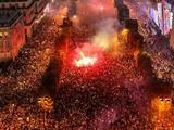 法国夺冠后狂欢失控 警方高压