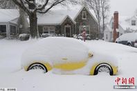 美国遭暴风雪袭击 数十万?#29992;?#20986;行受影响