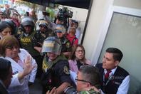 秘鲁前总统阿兰-加西亚涉腐被捕 在家开枪自杀
