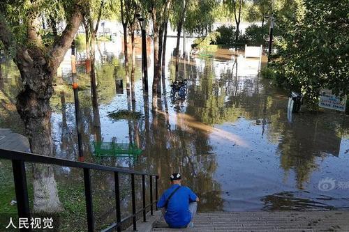 黑龙江牡丹江迎洪峰 江滨码头被淹没
